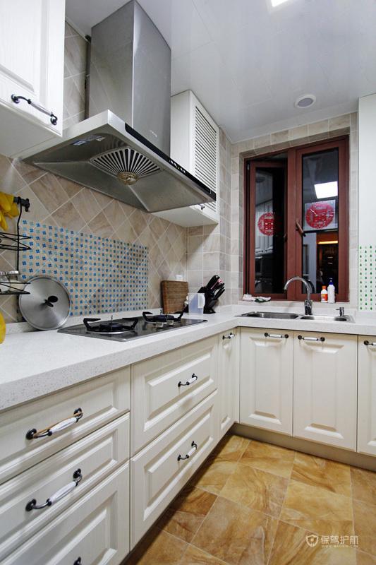 100平简约一居室婚房厨房装修效果图