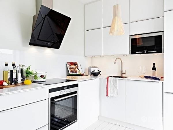 60平简洁北欧家一居室厨房橱柜装修效果图