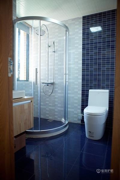 140平温暖日式原木风小复式卫生间淋浴房装修效果图