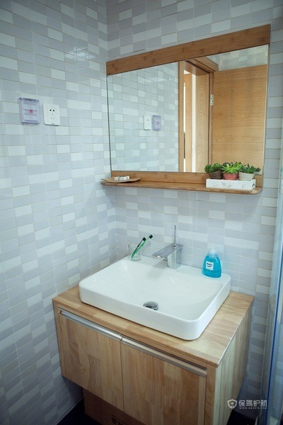 140平温暖日式原木风小复式卫生间装修效果图