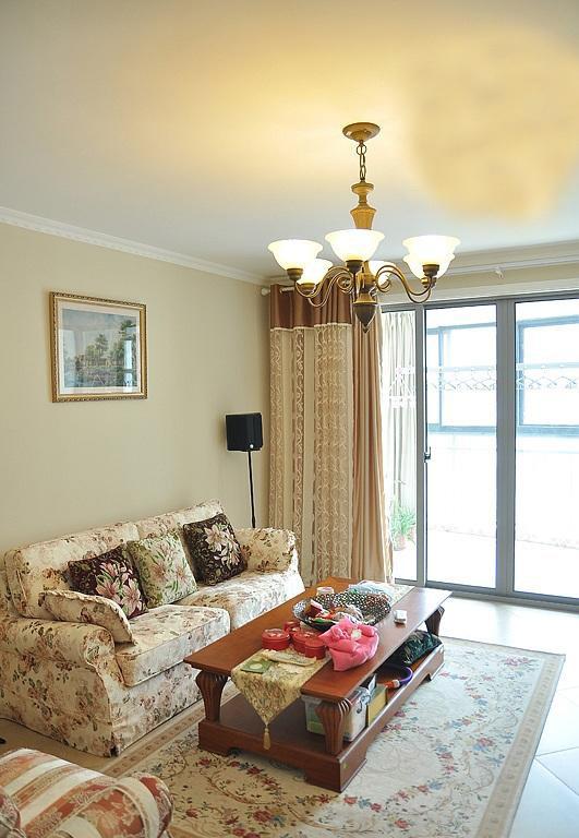 英式風格公寓40平米客廳水晶吊燈裝潢…