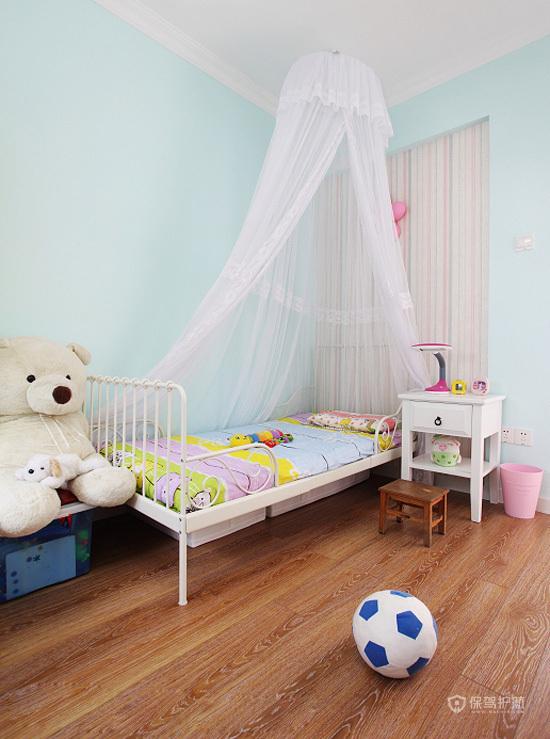 现代风格三室一厅10平米卧室简约装修效果图