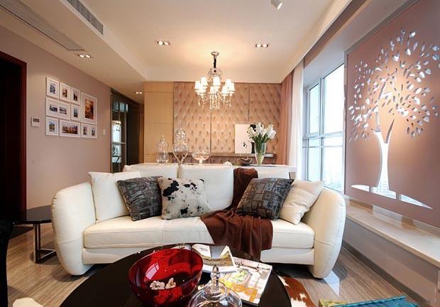 唯美客厅背景墙 82平低调奢华小二居