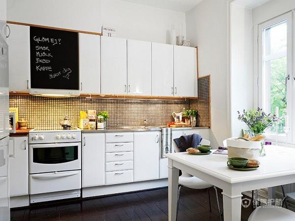78平清新简欧风公寓厨房装修效果图