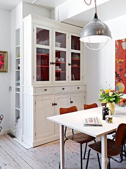 米兰风格三室一厅餐厅简约家具搭配效果图