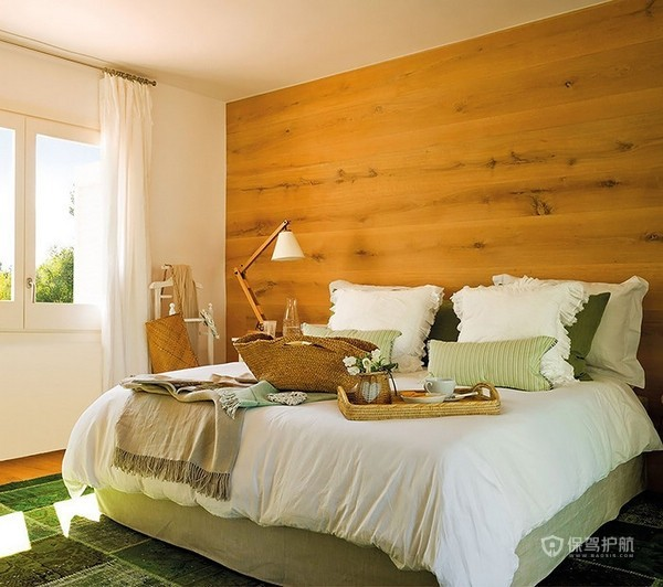 清新田园风公寓卧室原木背景墙装修效果图