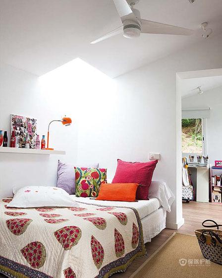 白色简约风二居室温馨次卧装修效果图