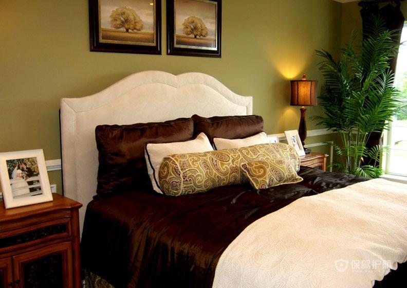 豪华美式公寓舒适卧室绿色背景墙装修效果图