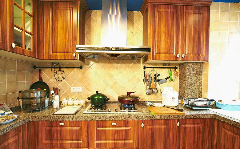 130平美式四居室廚房原木櫥柜裝修效…