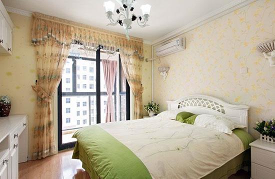 140平田园风三居室卧室壁纸装修效果…
