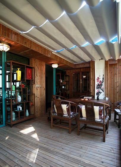 东南亚风格别墅实木阳台装修效果图