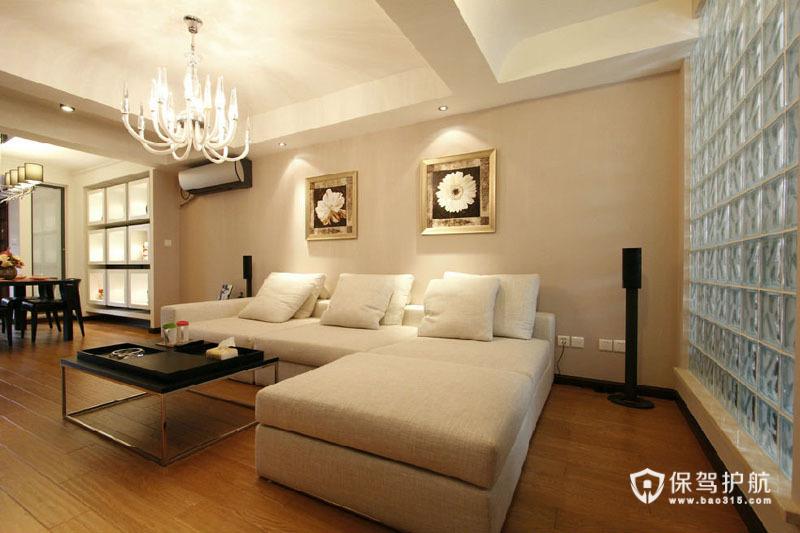 带着清新又带着温馨感觉的简约客厅。