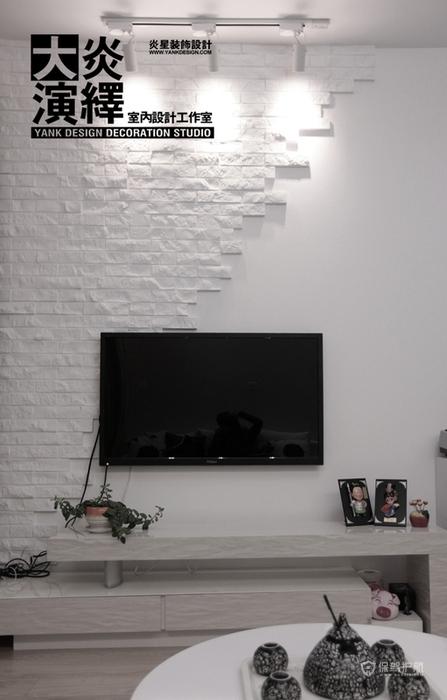北欧风白色系一居室客厅电视背景墙装修效果图
