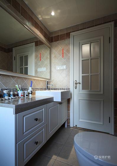 美式风格三室两厅10平米卫生间浴室柜效果图