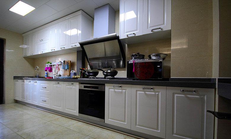 160平現代簡約風三居室廚房裝修效果…
