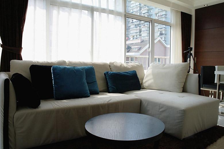 現代風格三室一廳40平客廳落地窗效果…