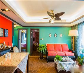 东南亚风格客厅沙发背景墙装修图片