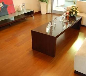 四类木地板性能比较