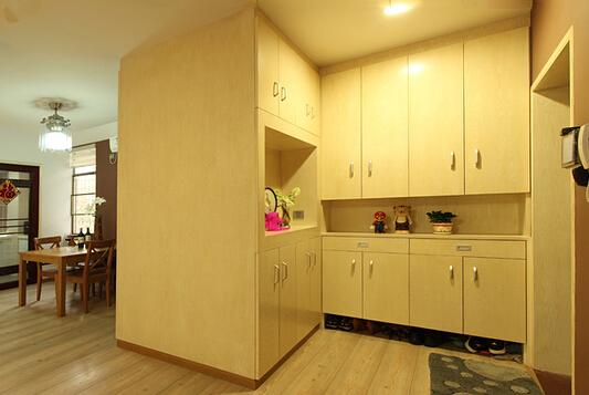 家用鞋柜的清洁和保养方法