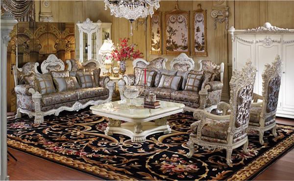 欧式风格实木沙发从外观造型上看,大多时尚大气、古典的色泽再加上雕刻精美的工艺,时刻散发着浓郁古典的欧式气息,非常适合比较欧式化、时尚的家庭。贵族奢华、浪漫的生活氛围完全被这种传统欧式家具体现出来,如果加上古典裂纹白色底漆和精致的描金花图案,那看上去就更漂亮了。 4.