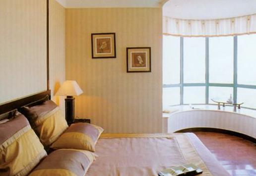 没有打造不好的阳台,只有不会设计的设计师。这款弧形阳台装修效果图,就依据弧形的飘窗让这个阳台也变得那么的有美感。当然这个美感也离不开窗帘的装饰,粉色的窗帘把阳台装饰的充满了甜蜜的气息,就像是城堡中的小公主一般尽显宠爱,在阳光的照耀下,和整个卧室风格相得益彰。
