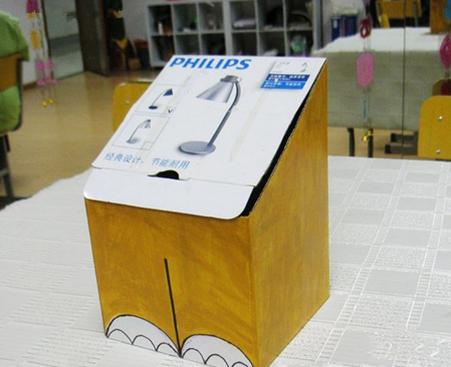 今天,家居diy小编教大家制作卡通垃圾桶,非常的实用.