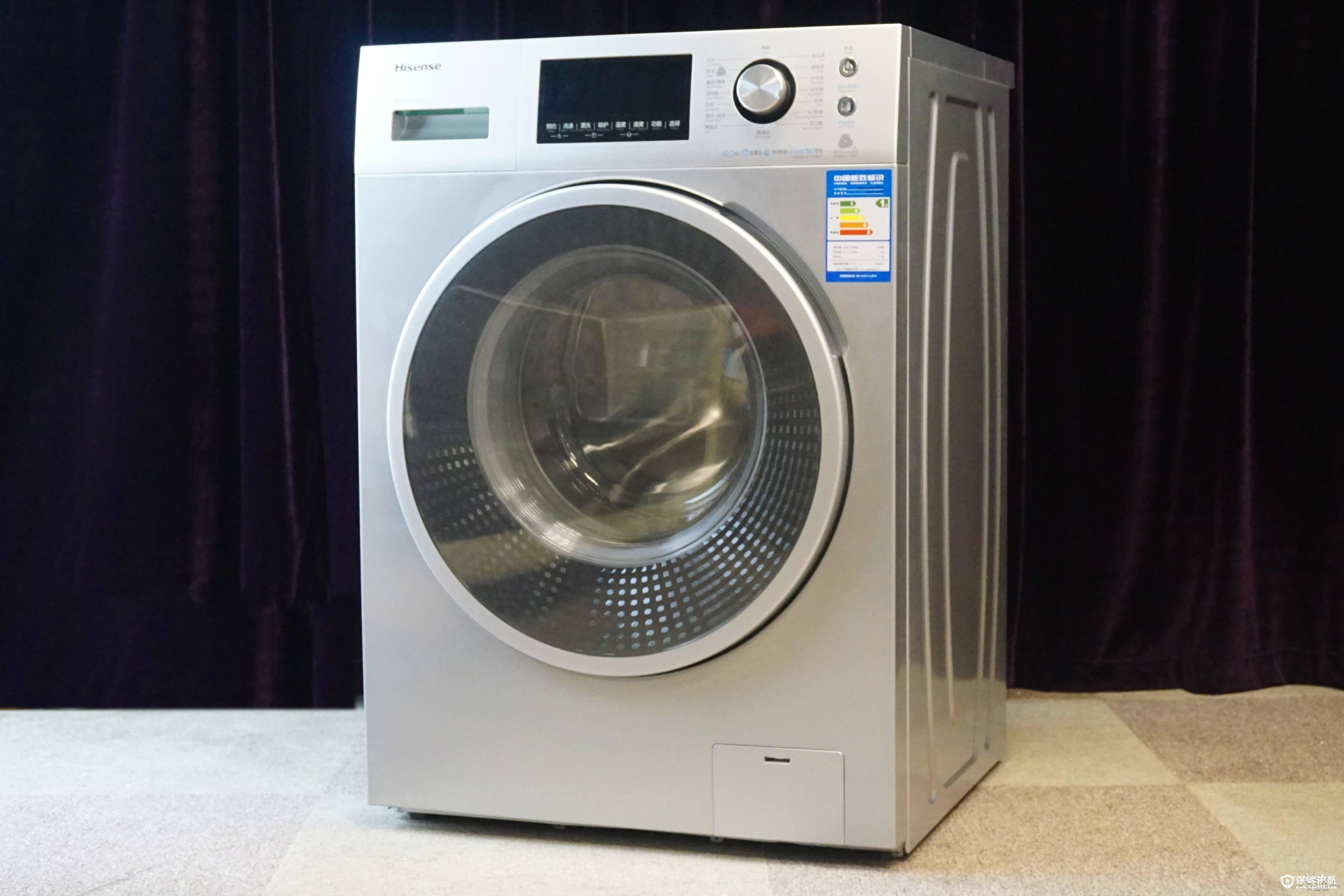 滚筒洗衣机十大排名一、西门子   西门子滚筒洗衣机稳居滚筒洗衣机质量排名的第一位,西门子家电是欧洲第二、世界第三大家电生产商,在德国本土更是一直稳居家电品牌首位。西门子滚筒洗衣机造型简约明朗,全封闭设计的135毫米的高面板和银色的机身彰显家电高质感,一体化前面板和全新的隐藏式门把手设计呈现出完美的品质魅力,超大视窗设计,不但有利于方便取放衣物而且能真实掌握筒内洗涤状态。   滚筒洗衣机十大排名二、海尔   大家都知道海尔是一家国内的知名品牌。一般我们量衣定时,洗好衣服只需29分钟; 同时还有自动挡功