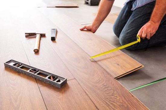 花高价铺贴实木地板 不会保养就亏了!