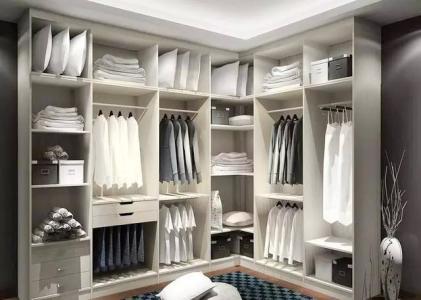 衣柜可以对着门摆放吗?衣柜保养衣服,那如何保养衣柜呢?
