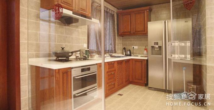 想在厨房做玻璃隔断墙,要如何设计?