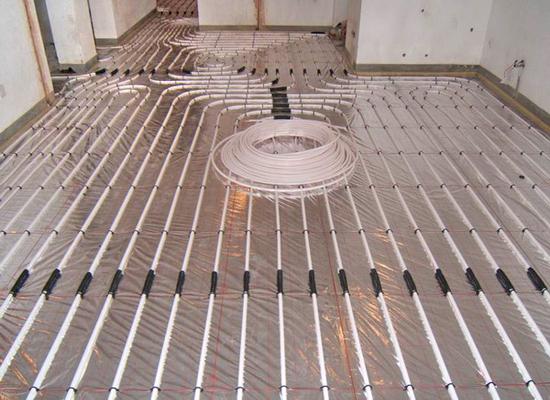什么是地暖安装 可与水电改造同步吗