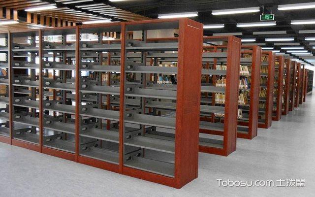 木护板书架图片,为你展示图书馆的藏书效果