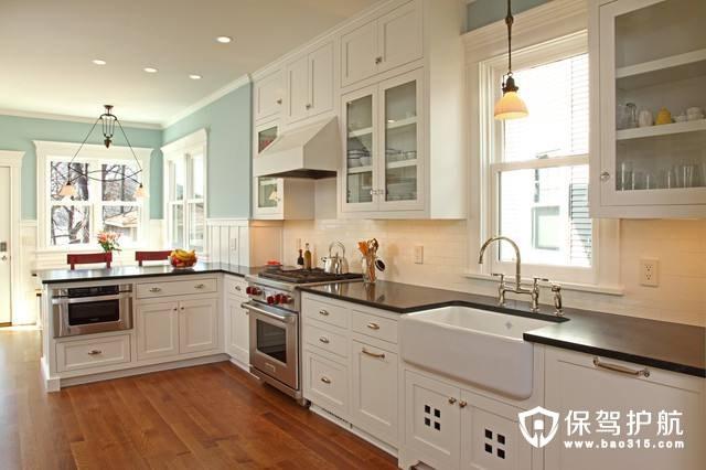 整个厨房的色彩如何选择?