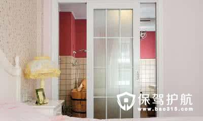 浴室装修推拉门好还是平开门好?