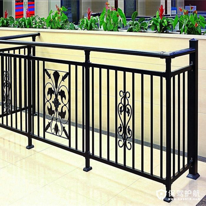 阳台护栏如何选购