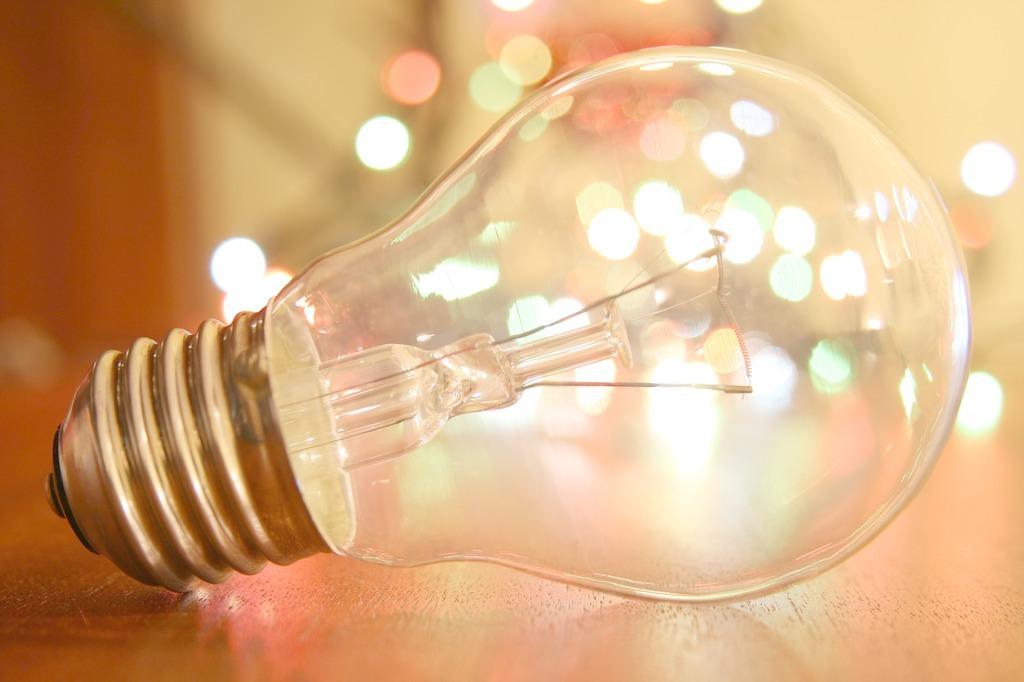 灯泡的种类,灯泡分类的优缺点。