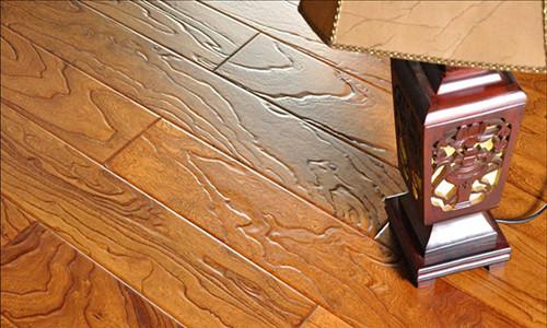 强化复合木地板的构成?强化复合木地板优劣判断?