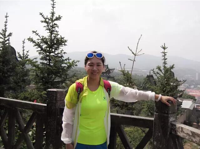 访内蒙古徽匠建筑装饰工程有限公司总经理 康艳