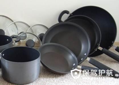 不粘锅涂层有毒吗 不粘锅涂层掉了还能用吗