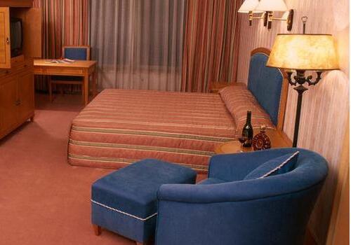 卧室沙发摆放方法,卧室沙发摆放注意事项