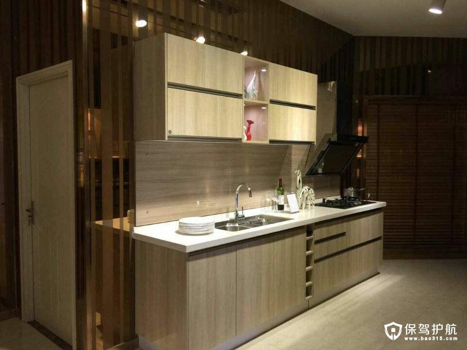 金牌厨柜和欧派哪个好
