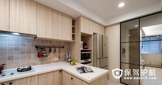 厨房橱柜和吊顶