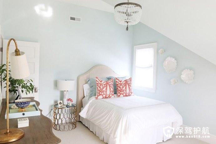 明亮通透的白色卧室