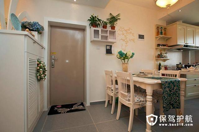 客厅与餐厅交界玄关