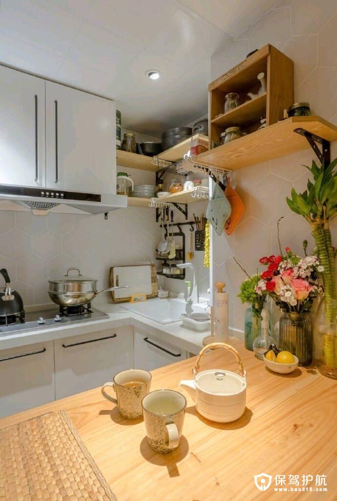 纯净温润白木色厨房设计