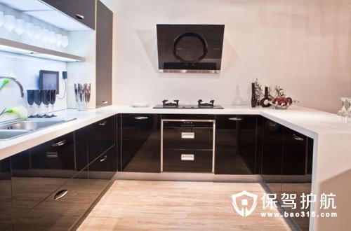 电路的设计要考虑全面,因为大部分厨房设备需要电力供能,所以
