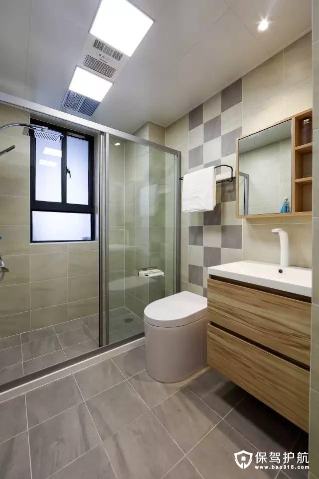 宜家带淋浴房的卫浴室装修