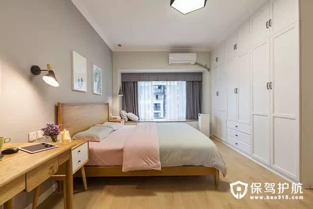 北欧卧室壁式白色衣柜装修效果图