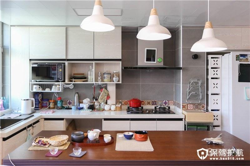 时尚现代开放式厨房装修效果图