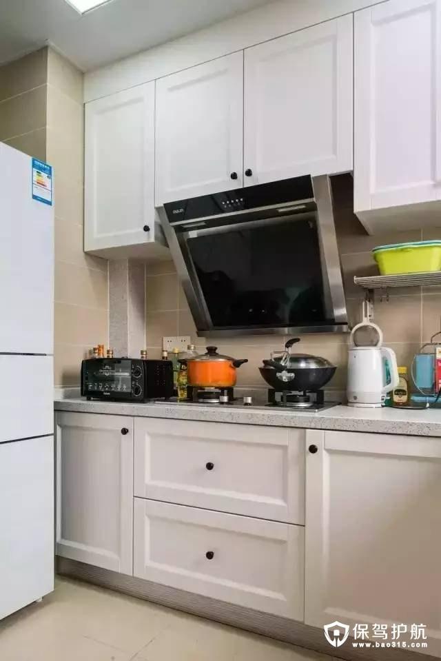 现代舒适简约厨房装修效果图